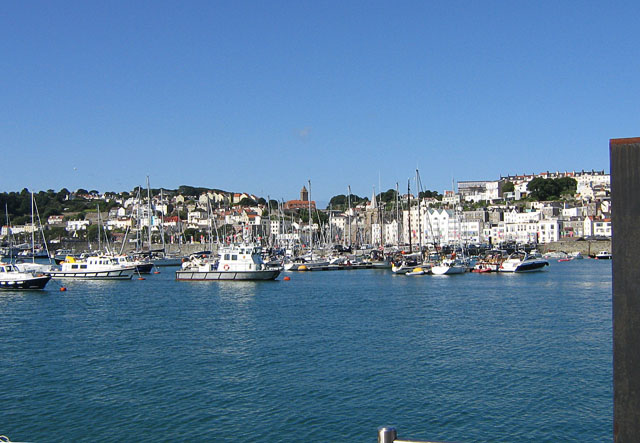 St_Peter_Port_harbour,_Guernsey_-_geograph.ci_-_130